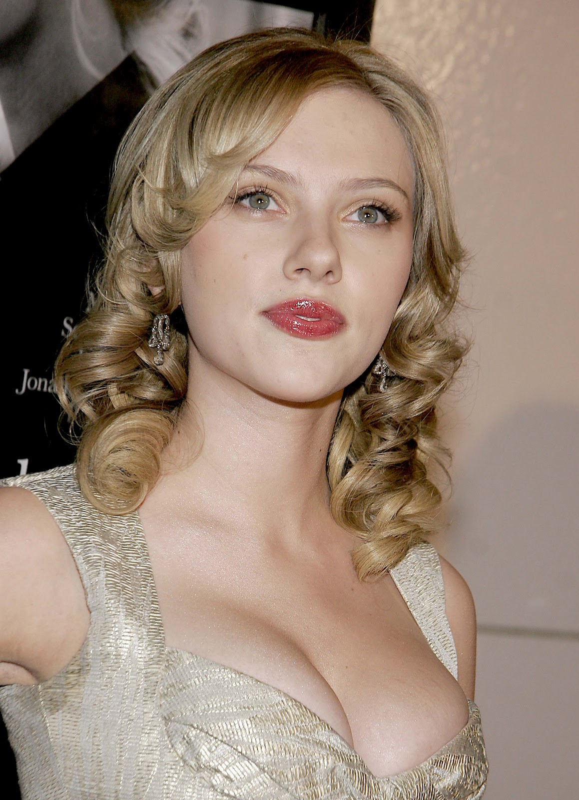 Scarlett Johansson pic...