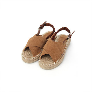 Cross espadu sandal, KRW 199,000 from Thursday Island