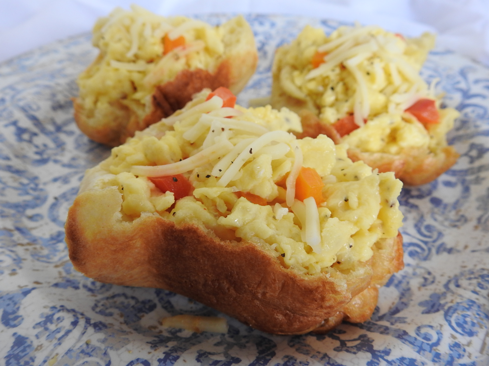 Cheesy Scrambled Egg Stuffed Popovers