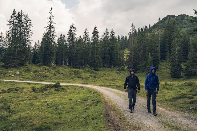 Regenwandern im Brandnertal Bürserberg Furkla Höhenweg + Kesselfall | Wandern Vorarlberg 01