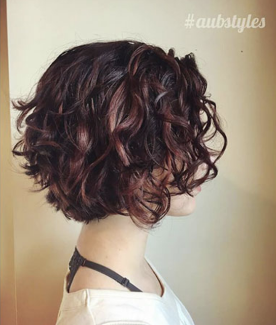 latest curly hair for woman