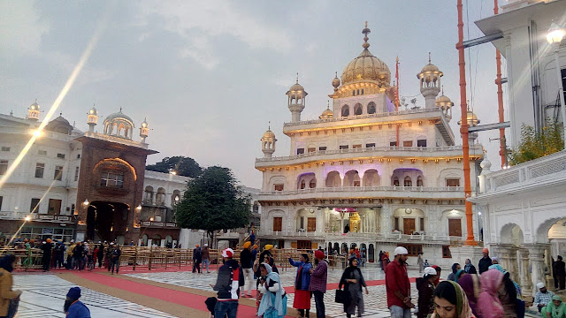 suvarna mandir,golden temple tour,golden temple area,the golden temple