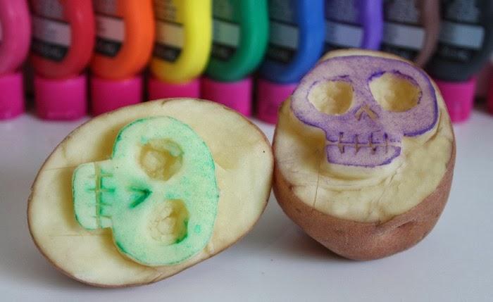 Pearmama: Day of the Dead DIY: Sugar Skull Kitchen Toalla ...