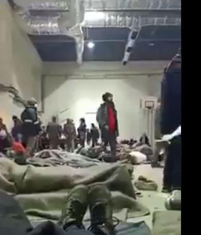 Απομόνωσαν  τους μετανάστες σαν παστές σαρδέλες σε μια εγκατάσταση κοντά στην Αδριανούπολη (ΒΙΝΤΕΟ)