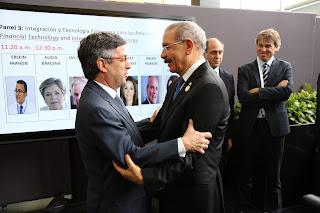 Danilo Medina y Luis Alberto Moreno, presidente del BID, coinciden en Perú; renuevan estrechos lazos