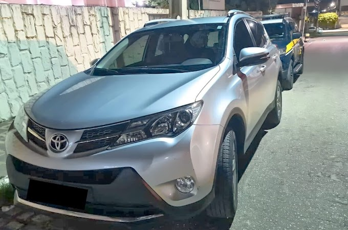PRF recupera veículo roubado estado do Pernambuco que estava circulando clonado na cidade de Uiraúna