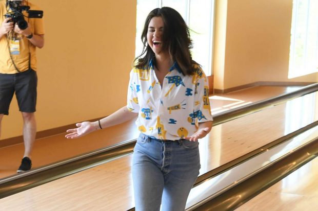 Selena Gomez Looks Beautiful in Casual Outfit