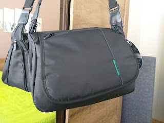 stylish Rivacase 7450 camera bag