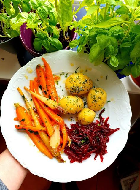 karmelizowana marchewka,marhcewka w miodzie,z kuchni do kuchni,prosty obiad,obiad polski,dania z ziemniaków,najlepszy blog kulinarny,