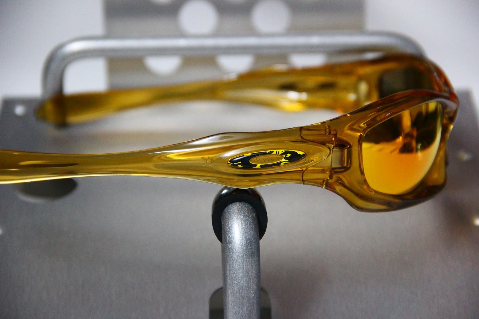 6eb3831640 Oakley Oil Drum Cinder Red « Heritage Malta