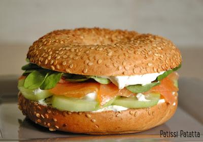 recette de bagel au saumon fumé, recette sans cuisson, recette fraicheur, saumon fumé, concombre, mascapone, sandwich, patissi-patatta