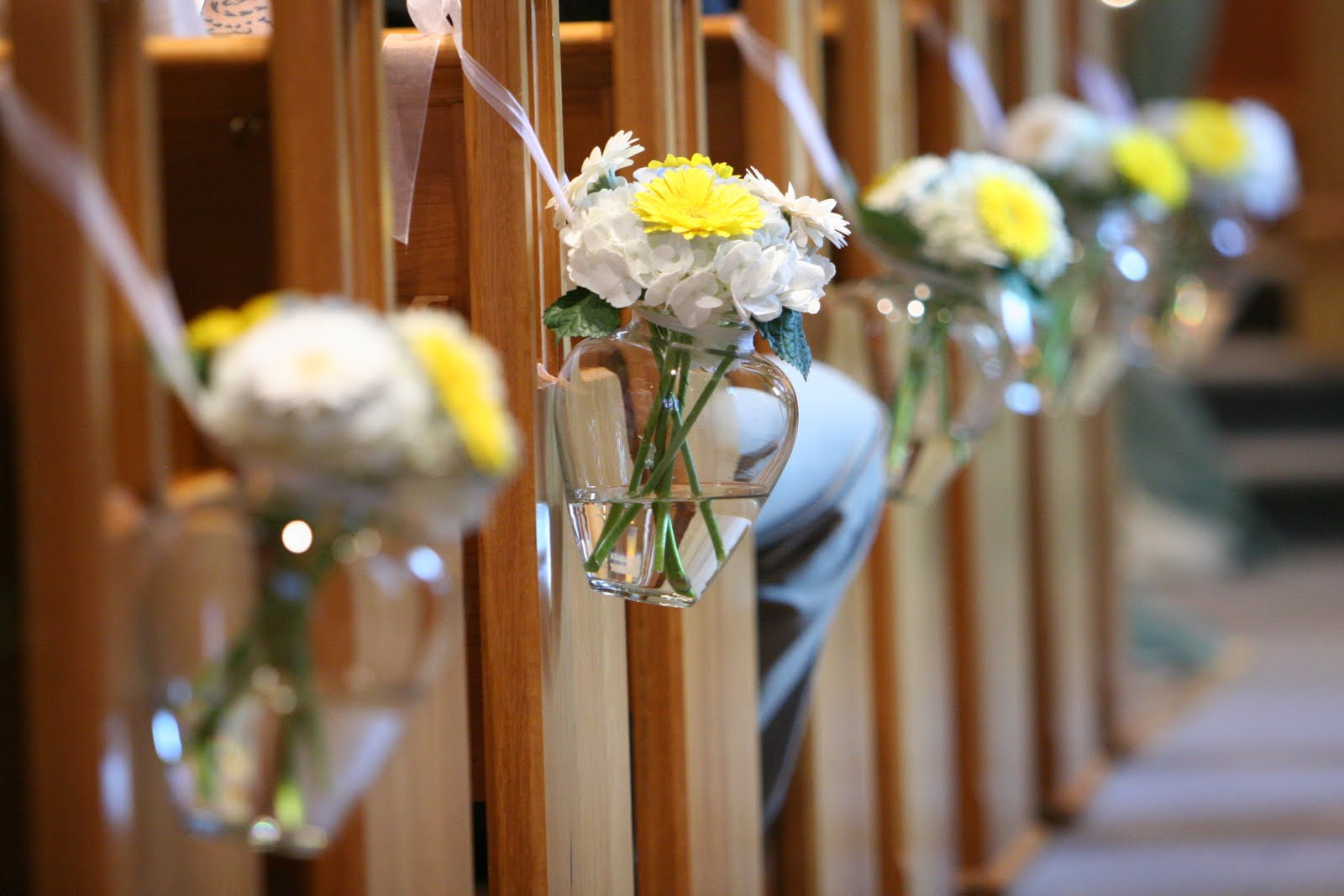 church flowers fall decorations weddings events decorating outdoor table flower summer special reception part pew delores simple decor march garden