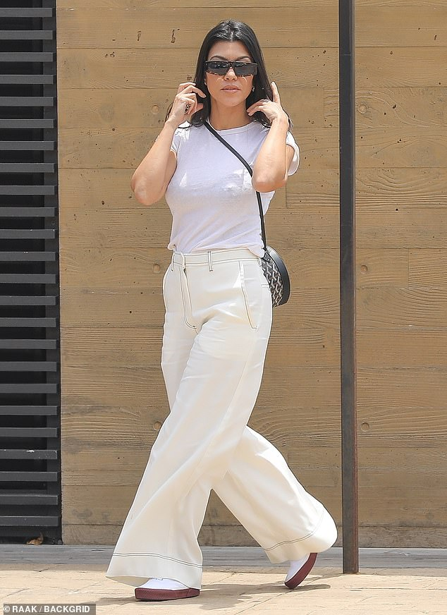 Kourtney Kardashian spotted in California, heading to Plata Taqueria & Cantina for lunch