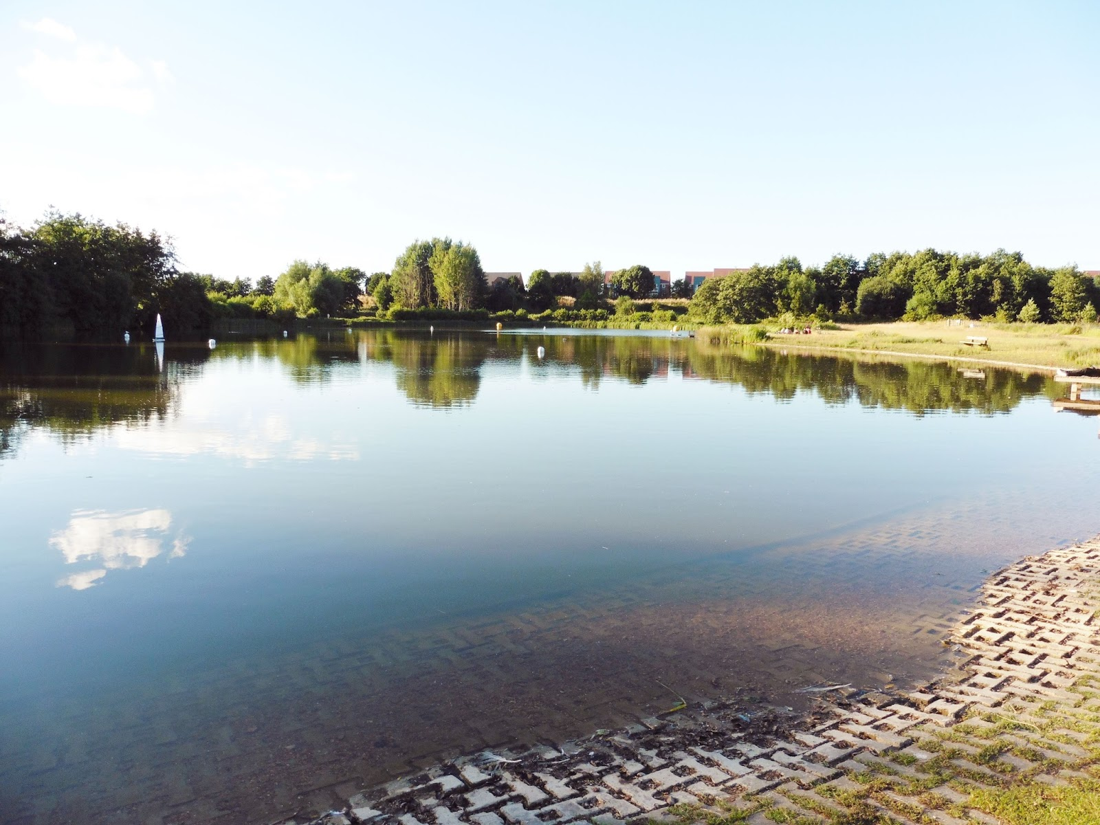 lebellelavie - A summer's day visit to Lakeside