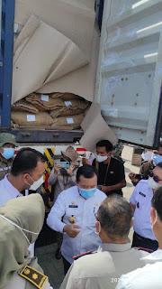 Gubernur Jambi Melepas Ekspor Komoditas Kopi Pertanian Provinsi Jambi  Senilai 141.82 Yang Ke-3Kalinya