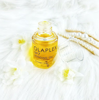 For Soft, Silky Hair, Coloured or Not Try Olaplex No. 7 Bonding Oil Lid Off 2