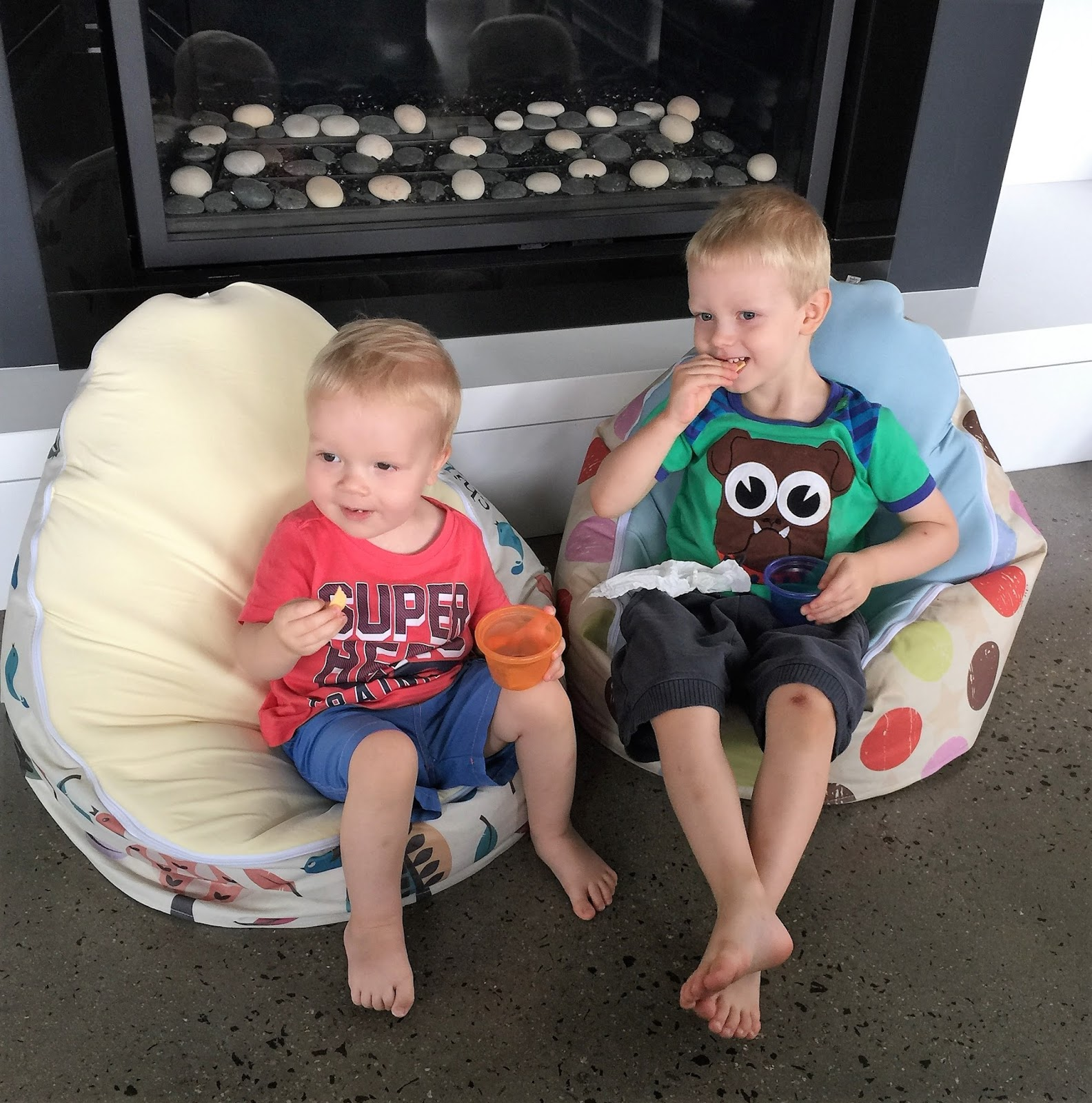 Swell Product Review Chibebe Snuggle Pod Baby And Toddler Bean Bralicious Painted Fabric Chair Ideas Braliciousco