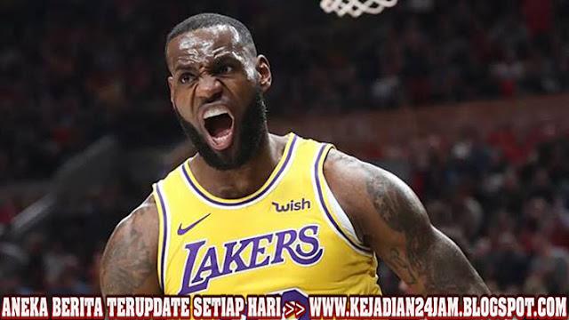 LeBron James Bantu Lakers Bungkam New York Knicks