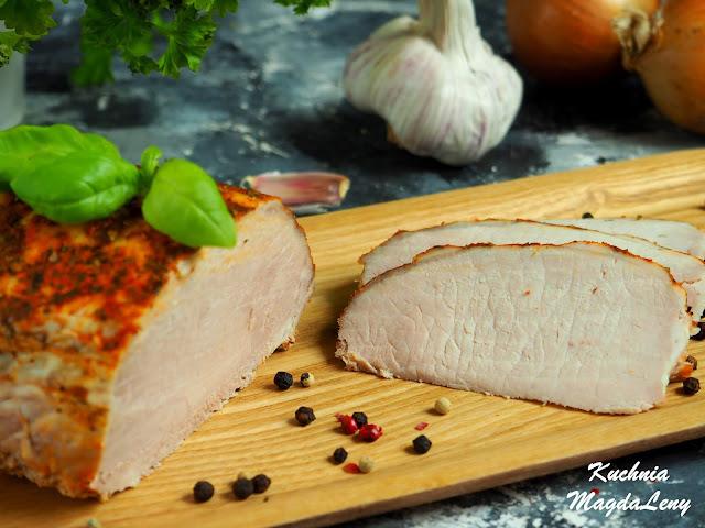 Schab pieczony w maślance z cebulą