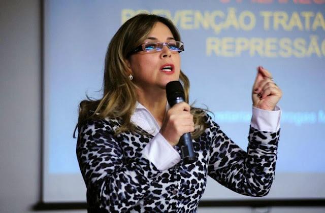 """Psicóloga denuncia Conselho por ativismo contra o Escola Sem Partido: """"É uma vergonha"""""""