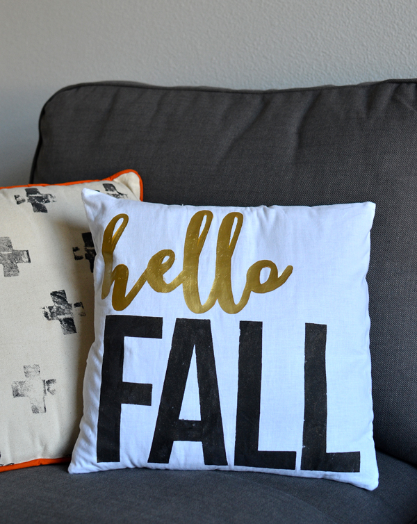 double sided fall and christmas pillow tutorial!! so cool!