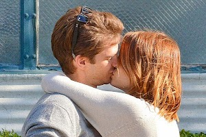 Emma Stone and Andrew Garfield show feelings in public