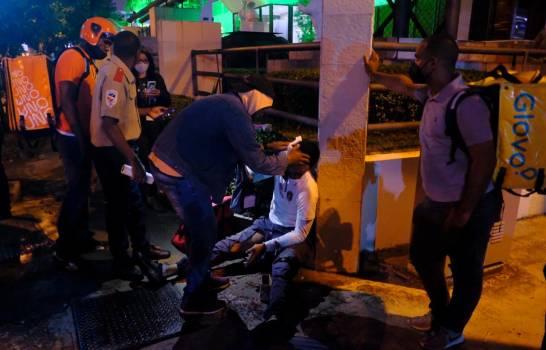 Delivery resulta herido al ser embestido por yipeta en avenida Abrahan Lincoln del Distrito Nacional