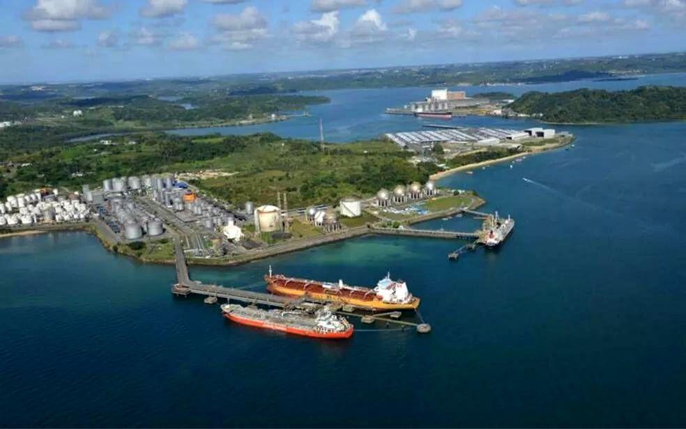 Navio Suíço entra em quarentena no Porto de Aratu após caso de Covid-19