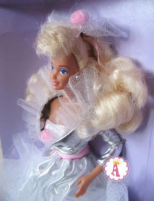 Как выглядит коллекционная кукла барби 90-х, любящая аплодисменты
