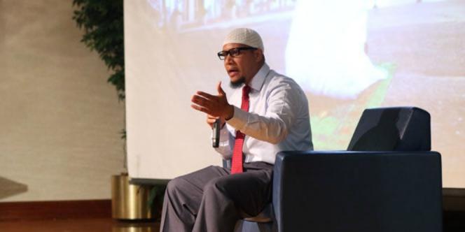 George Green Islam Mengisi Kekosongan Jiwanya