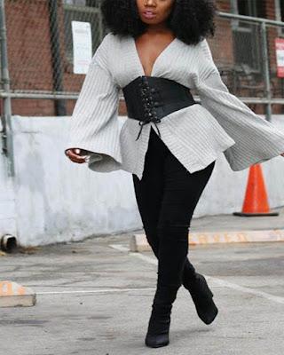 outfit de invierno con corset de colores neutros casual de moda