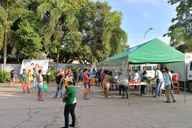 Mobile kitchen visits barangay Calicanto