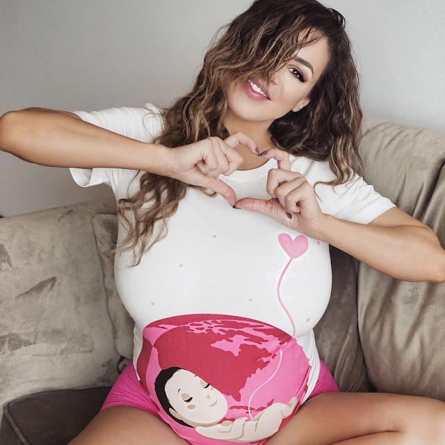 jordan-carver-pregnant-photo-2