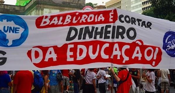 No Rio de Janeiro, a concentração dos manifestantes aconteceu às 17h nas proximidades da Igreja da Candelária, no Centro da cidade