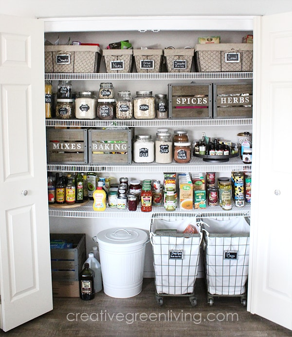 Beautiful farmhouse organization ideas - how to organize your pantry and make it pretty, too!