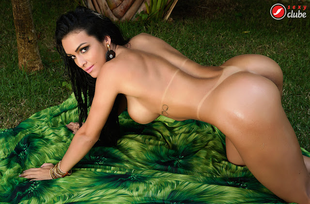 Fotos da Miss BumBum Argentina, Debora Dantas, nua pelada na Sexy