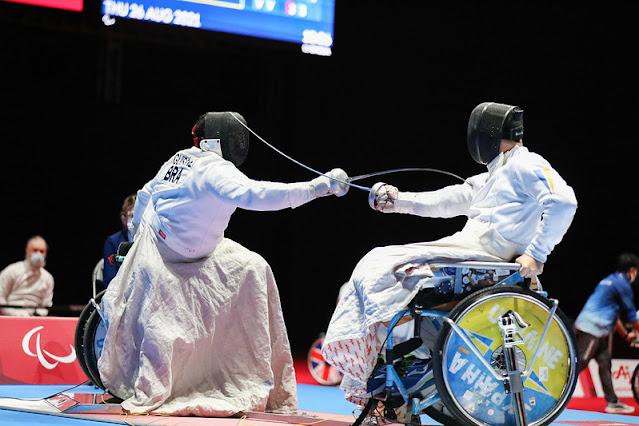 Jovane Guissone Oleg Naumenko em disputa da Esgrima em Cadeira de Rodas