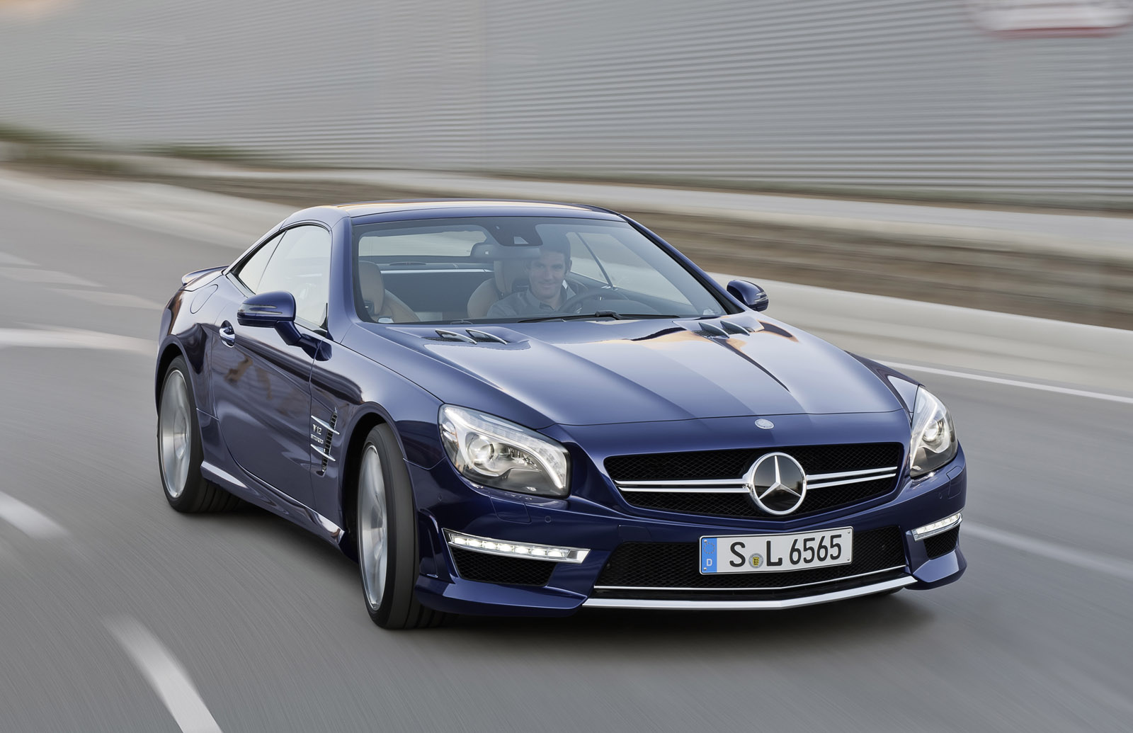 http://1.bp.blogspot.com/-Is0VnBZbn70/T-N3PQwu95I/AAAAAAAAD0c/AKO1F_xbh8I/s1600/Mercedes-Benz+SL65+AMG+Hd+Wallpapers+2013_2.jpg