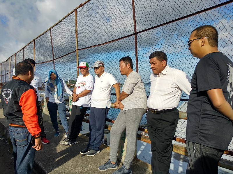 Komisi III DPRD Dampingi Tamsil Linrung Kunjungi Lokasi Tumpahan Minyak