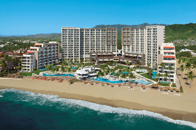 Secrets Vallarta Bay Puerto Vallarta - All Inclusive, an oceanfront AAA Four Diamond resort provides adults 24/7 access to buzzing nightlife, non-stop entertainment and Unlimited-Luxury®. Situated on the golden beaches of the Pacific coast within walking distance of the famous El Malecón boardwalk.
