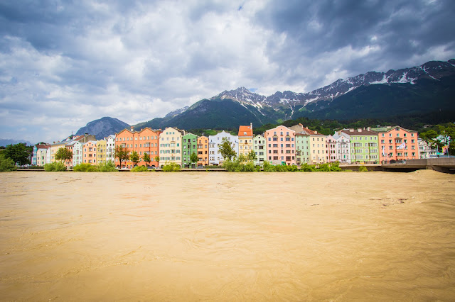 Case colorate lungo il fiume Inn-Innsbruck