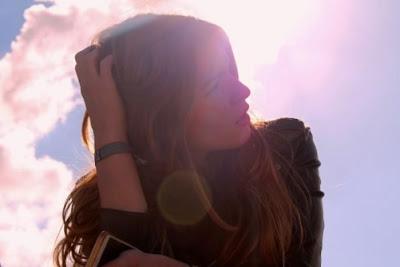 10 Hal Yang Tidak Perlu Anda Komentari Ke Cewekmu, Karena Cewekmu Pasti Akan Tersinggung