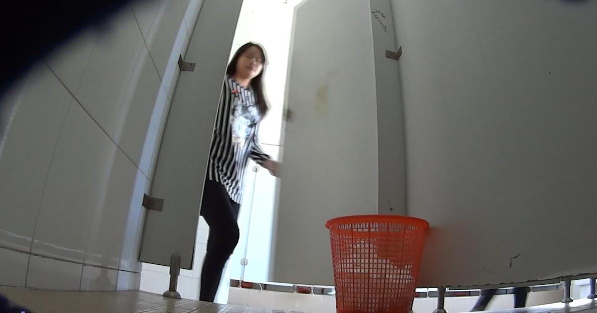 Asian Scandal Voyeur: Shopping Mall Womens Toilet