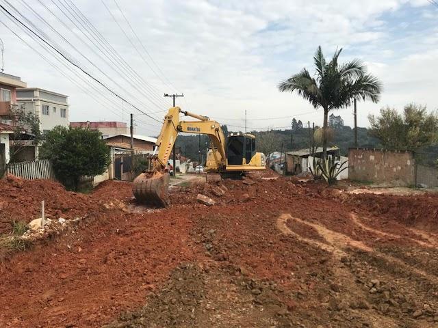 Começam as obras de escavação e terraplanagem na Rua João Florismundo Alberti