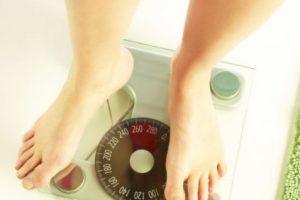जल्दी वजन बढ़ाने के 10 आसान घरेलू उपाय और तरीके हिंदी में