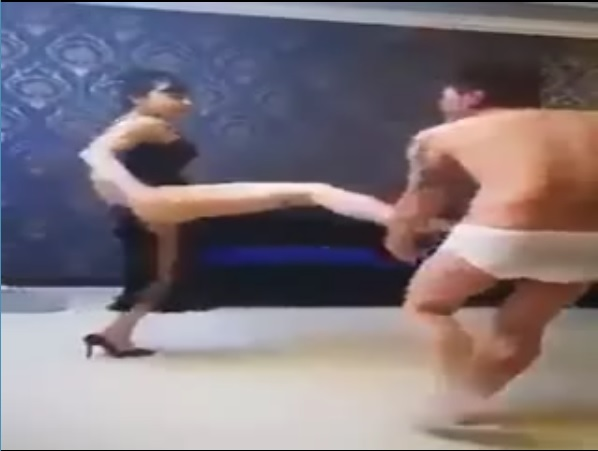 Làm đàn ông đã khổ lấy được cô vợ thế này còn khổ hơn :((