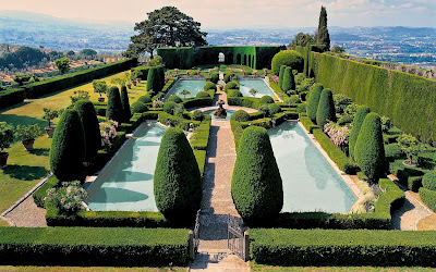 Florentine villas and gardens: American and English expatriots in Tuscany