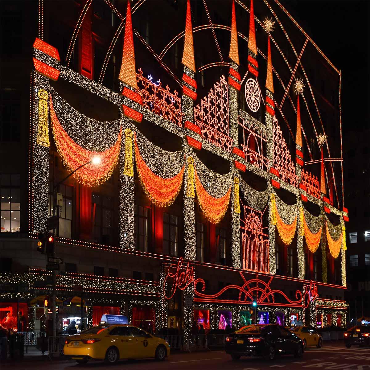 2018 NYC New York Saks Christmas Decoration
