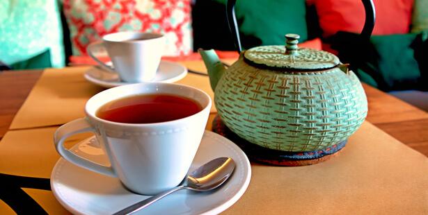 Le thé rouge a des bienfaits pour votre santé qui valent la peine d'être connus