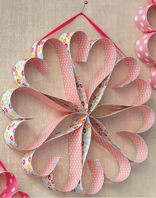 http://theysmell.com/valentines-day-kid-friendly-craft-ideas/